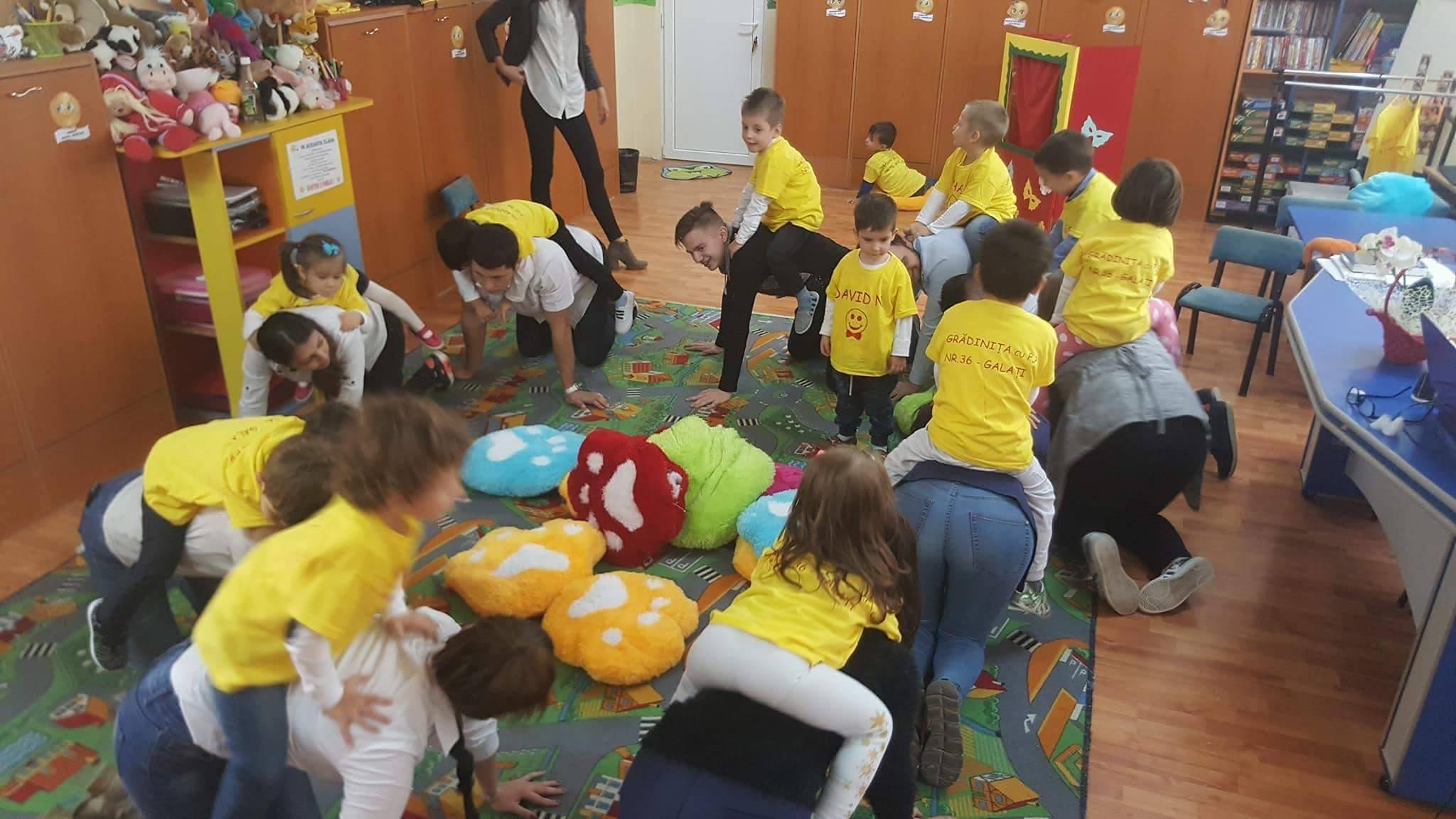 Marea VOLUNTARIADA a liceenilor din 5 judete din Romania