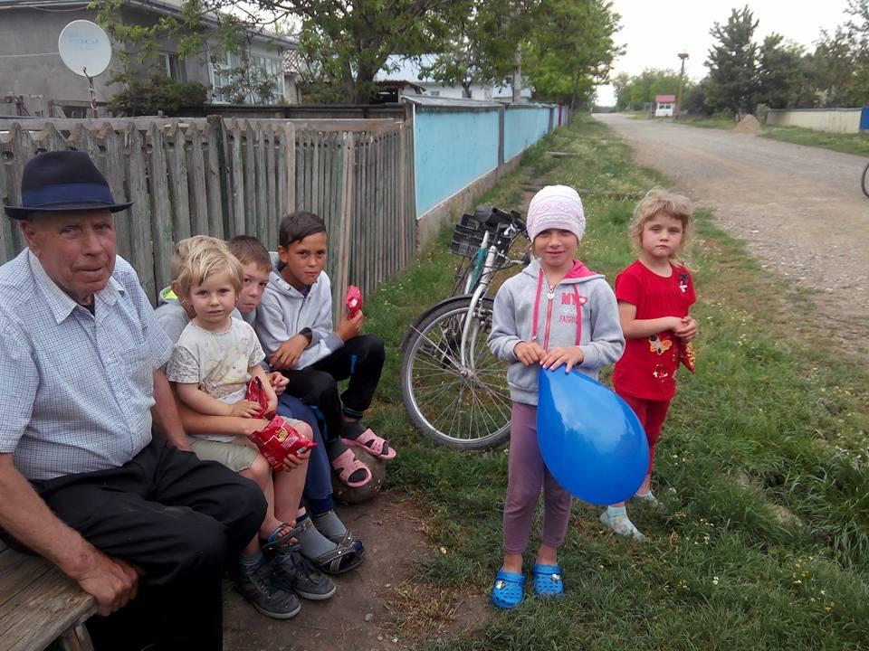 Caravana Copilariei- 1 iunie la Liveni, judetul Botosani