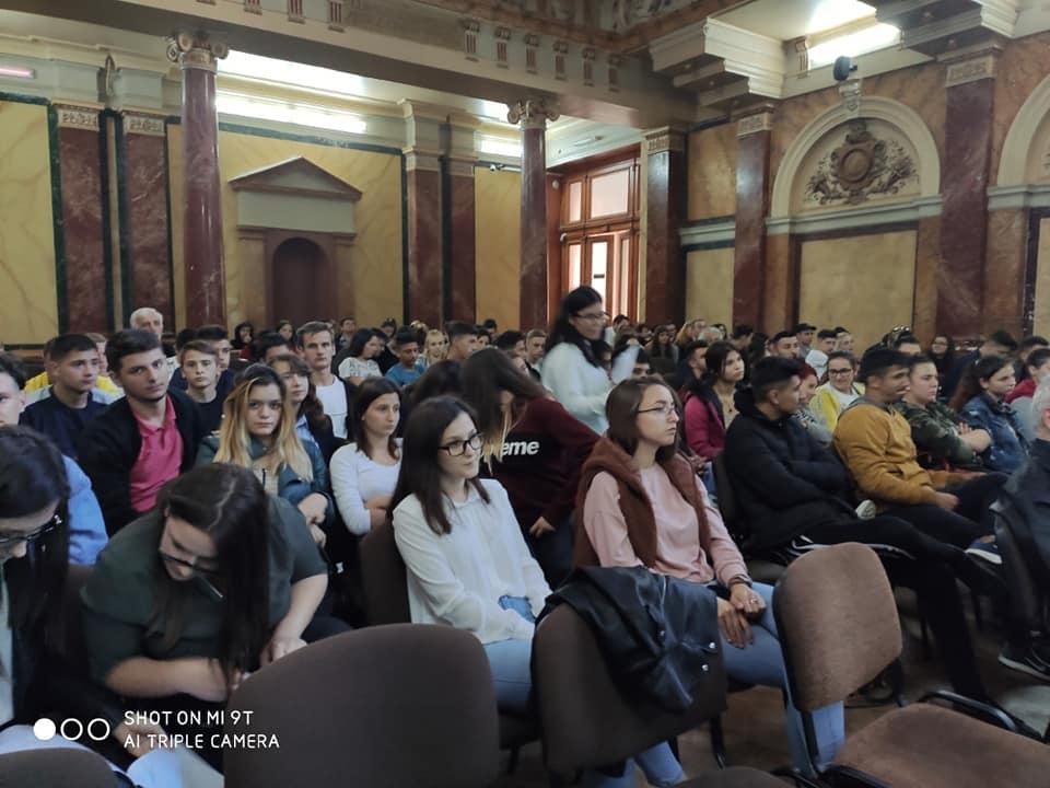 EDUCAT – Educatie financiara, antreprenoriat si abilitati de utilizare a tehnologiei pentru tineri dezavantajaţi din Dambovita-Bucuresti-Ilfov