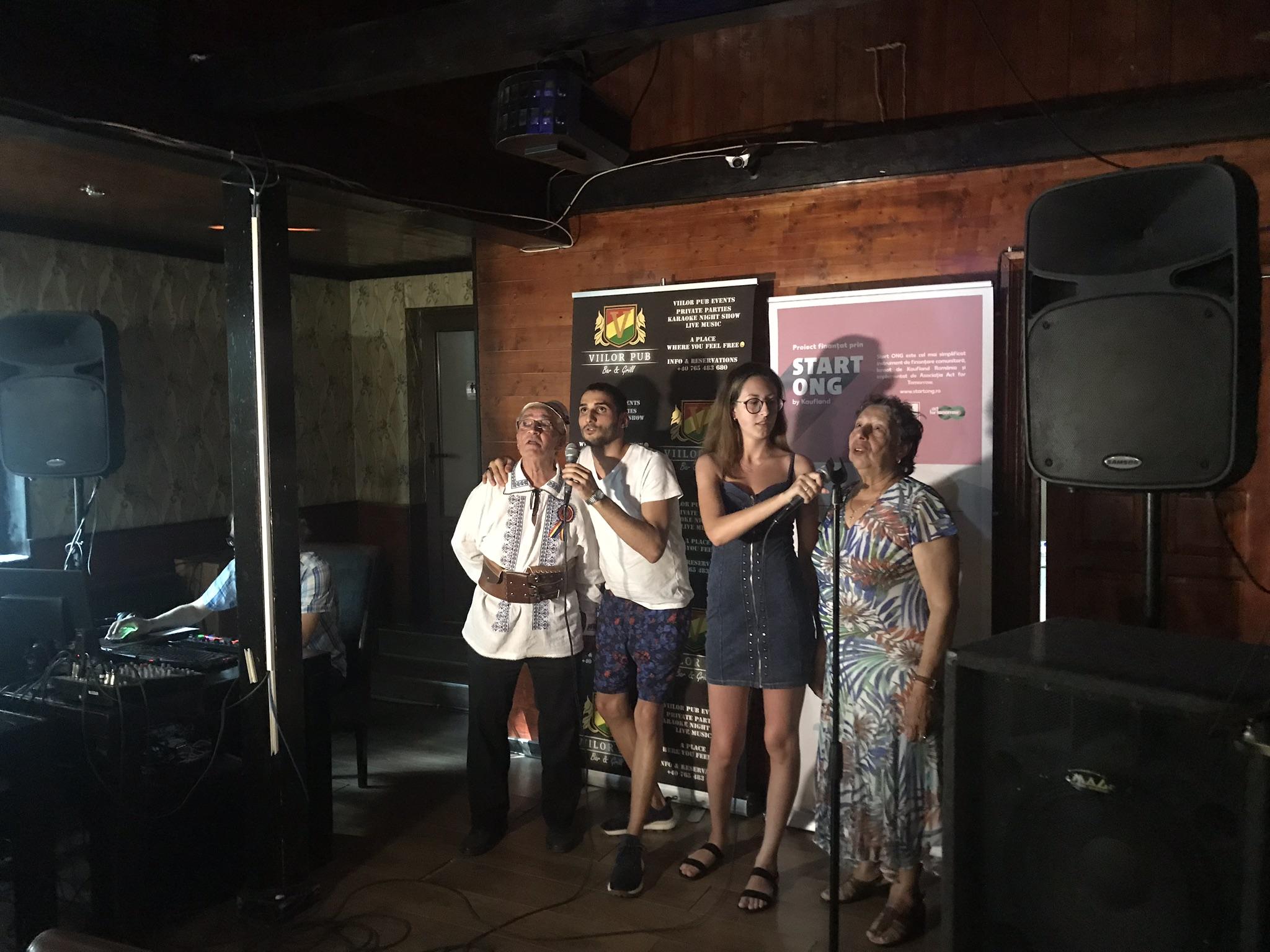 Senior Karaoke. Cântăm împreună!