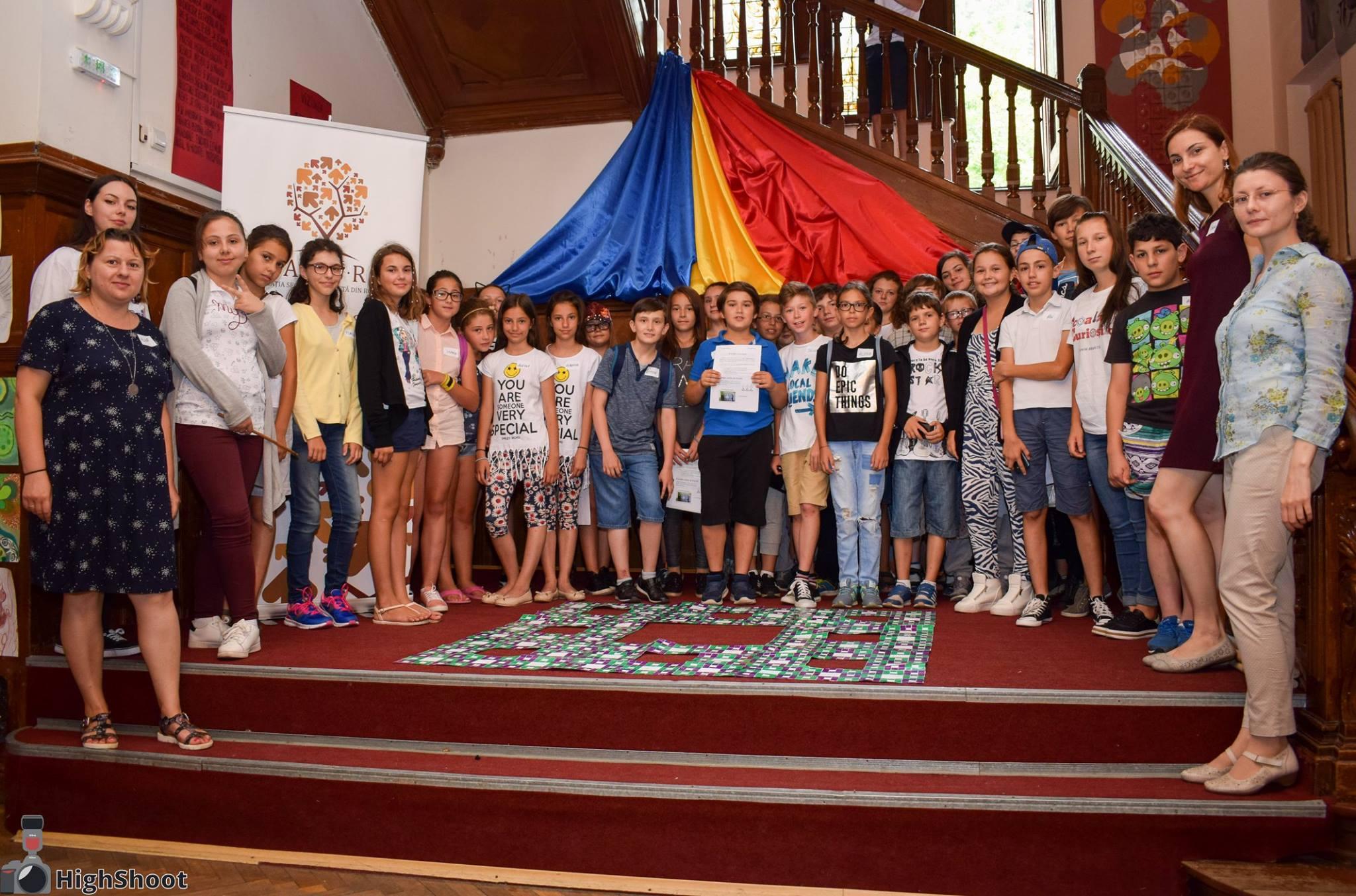 Scoala Curiosilor - scoala de vara pentru educatie stiintifica