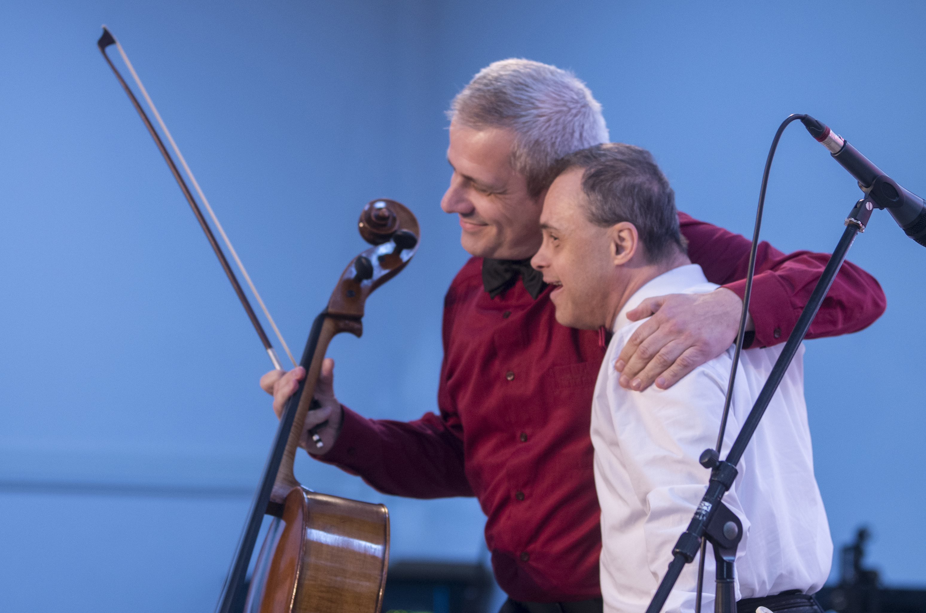 Muzica ne uneste si ne face pe toti acelasi - Managementul unor formatii muzicale compusa din tineri cu dizabilitati
