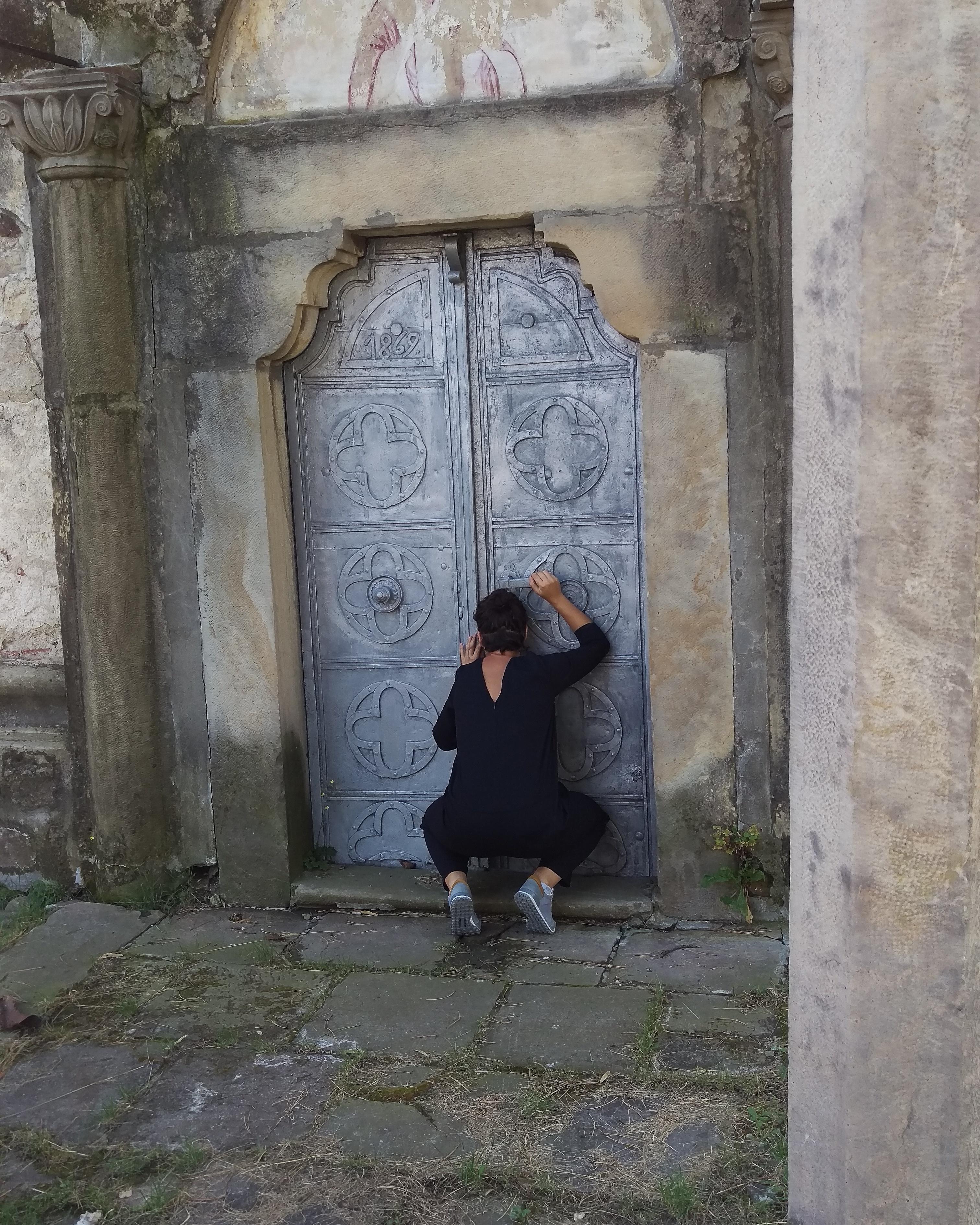 Linia de front - recuperarea patrimoniului local prin exerciții artistice