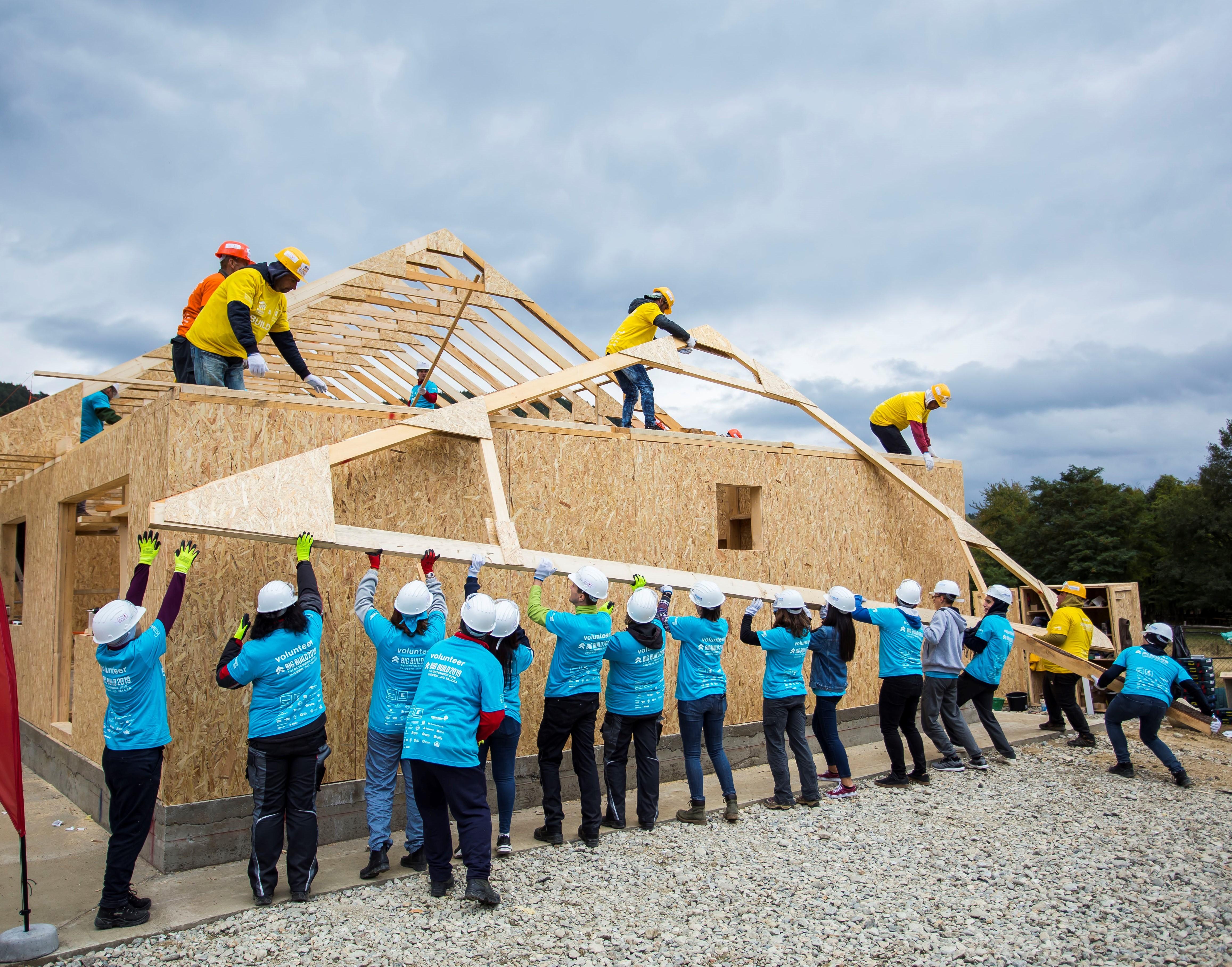 BIG BUILD 2019: 10 case în 5 zile