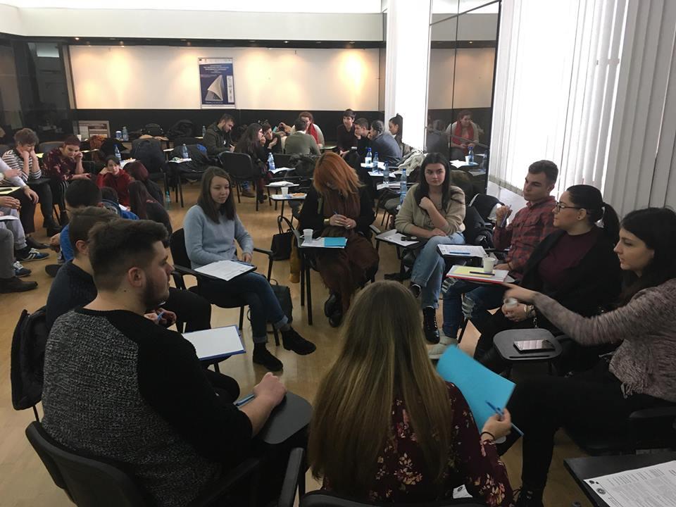 Implicarea tinerilor in politicile publice de tineret