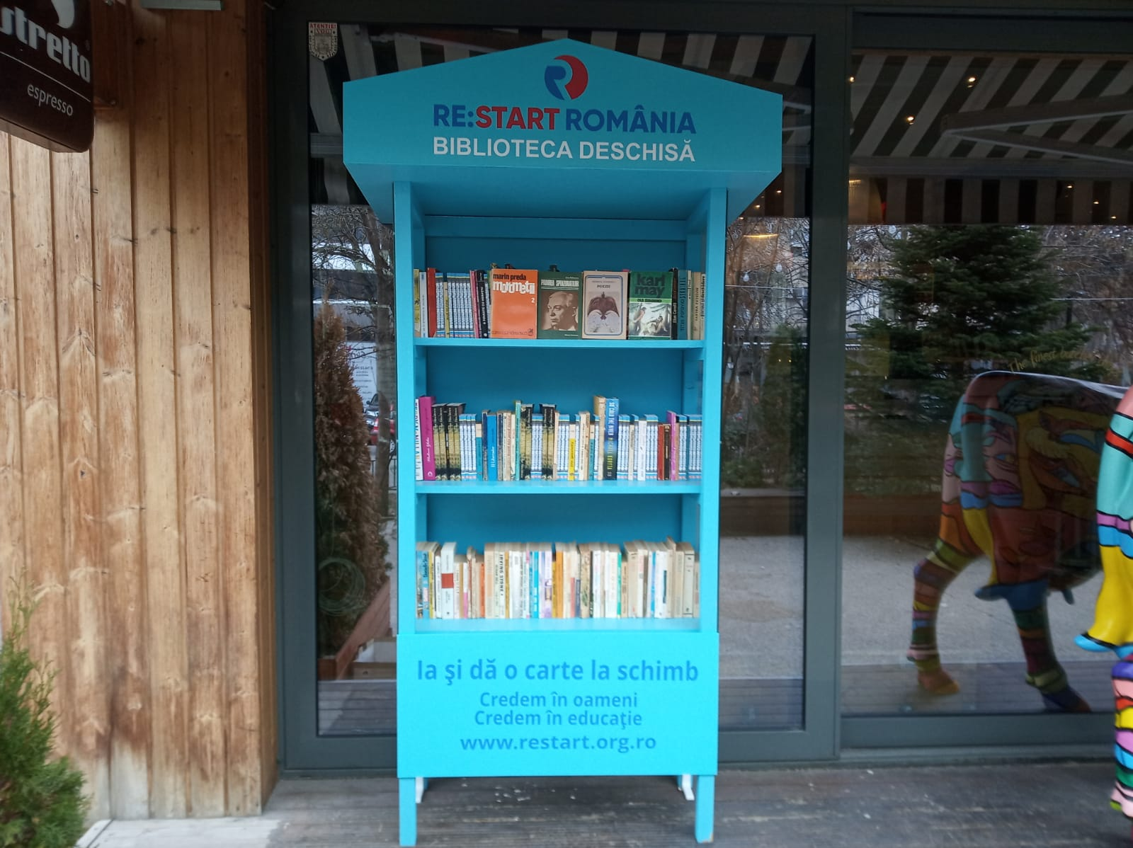 BIBLIOTECA DESCHISA