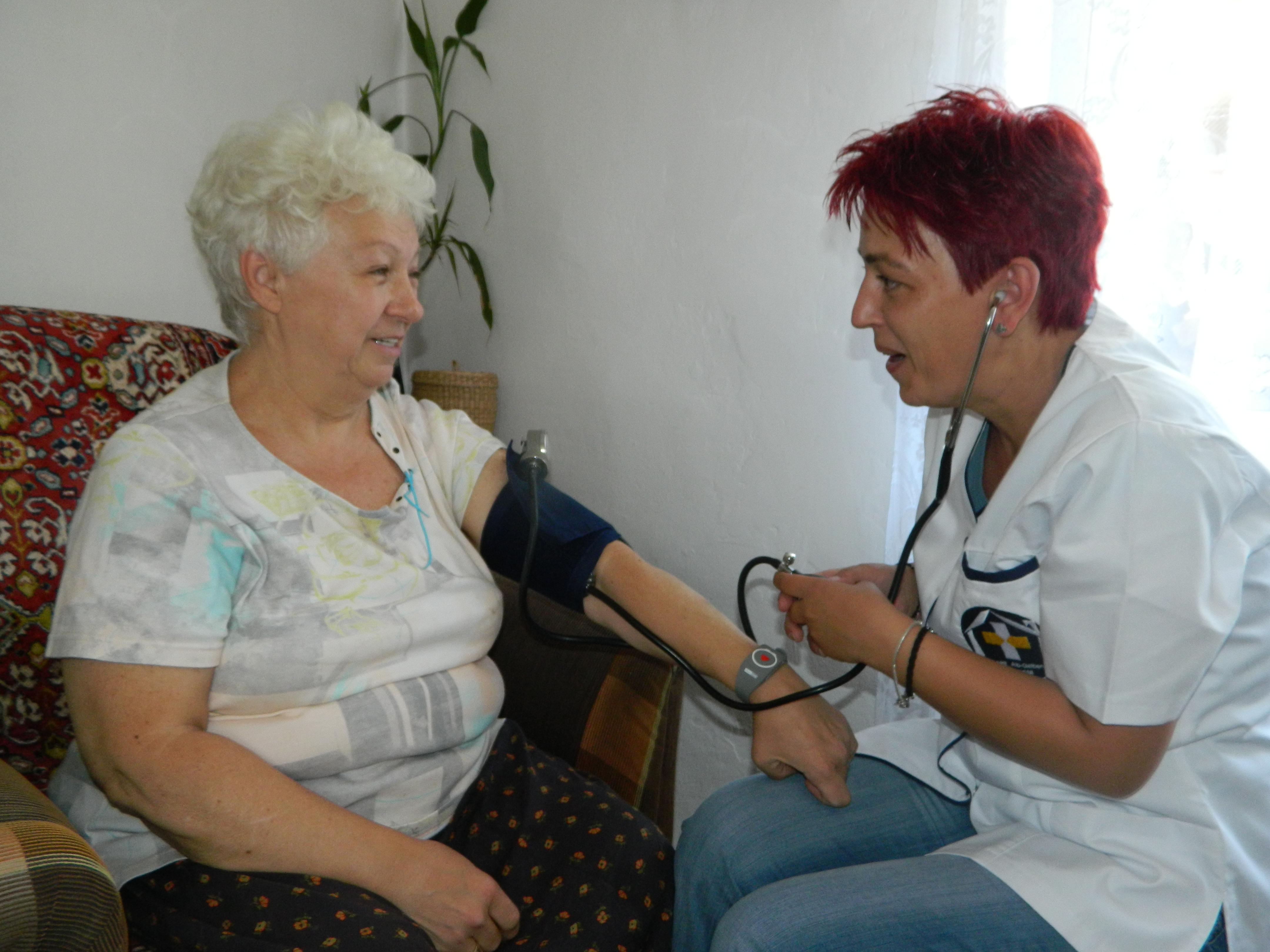BUTONUL ROSU - Servicii integrate de ingrijiri sociomedicale la domiciliu monitorizate prin sistemul de teleasistenta si teleurgenta