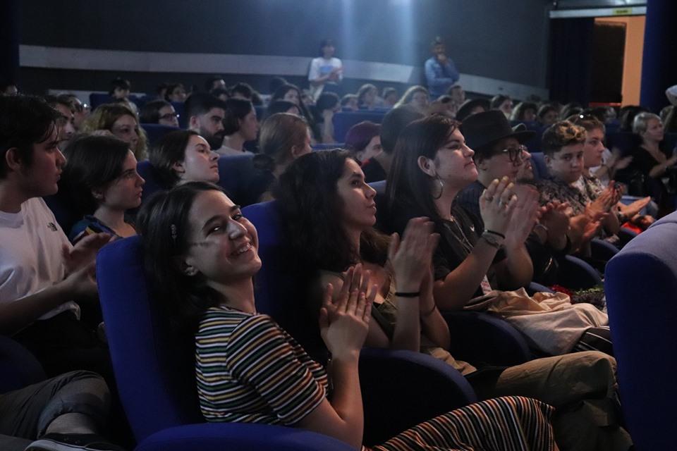 Super- festivalul de filme făcute de adolescenți