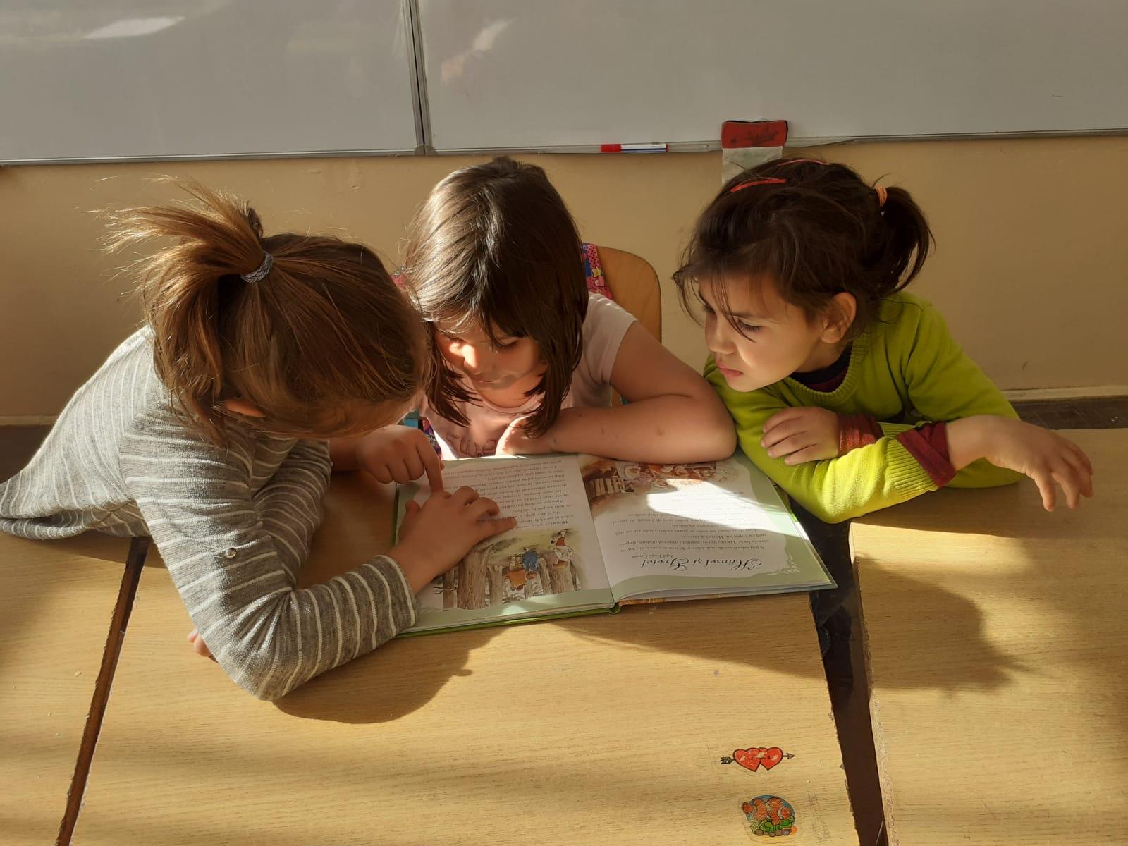 Educația, centrul schimbării în comunitate